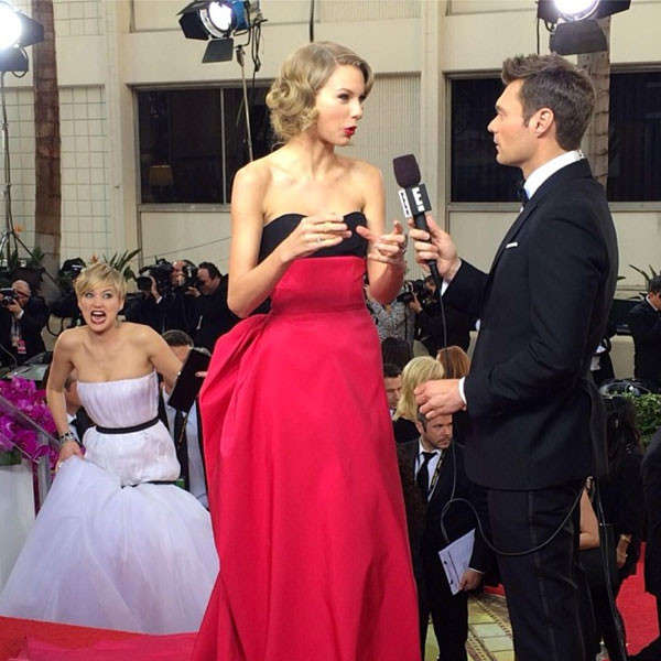 Image of Jennifer Lawrence Photobomb