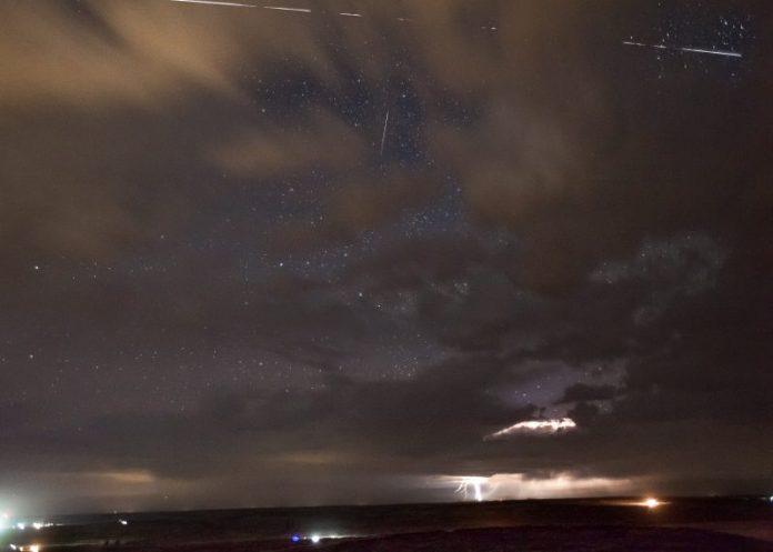 Image of ISS Photobombs Lightning Storm