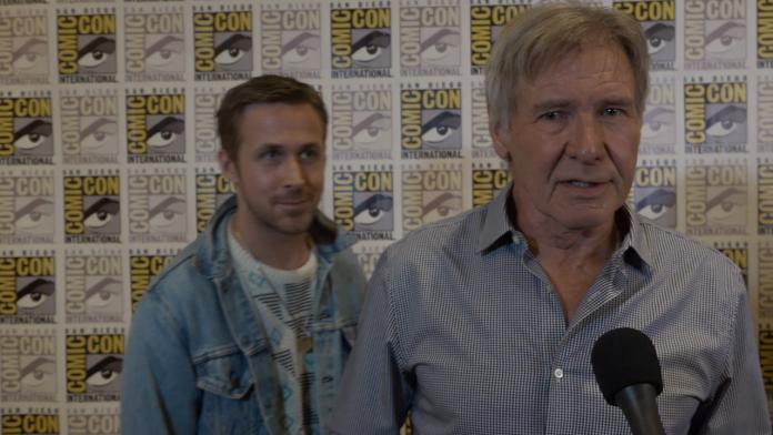 Image of Ryan Gosling Photobombs Harrison Ford
