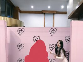 Image of Suzy and her fan