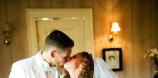 Image of Funny Wedding Photobombs
