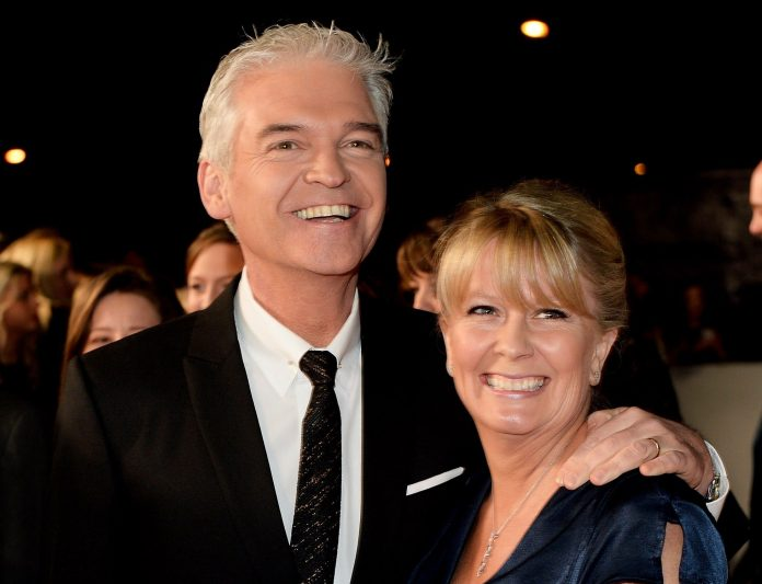 Philip Schofield Photobombed Christmas Selfie